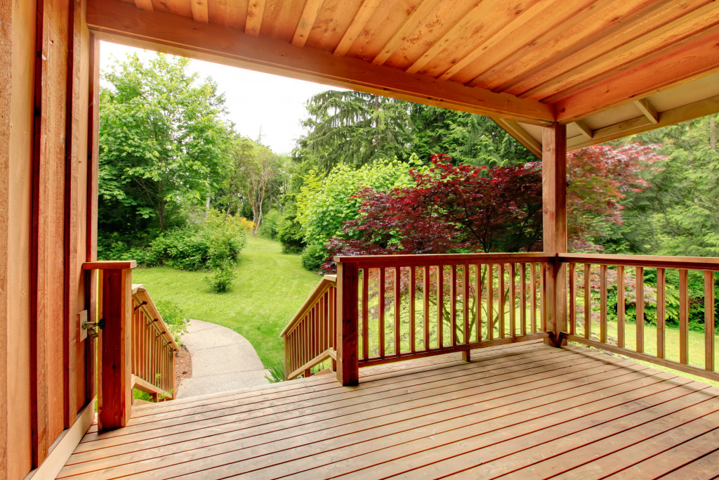 deck with beautiful scenery