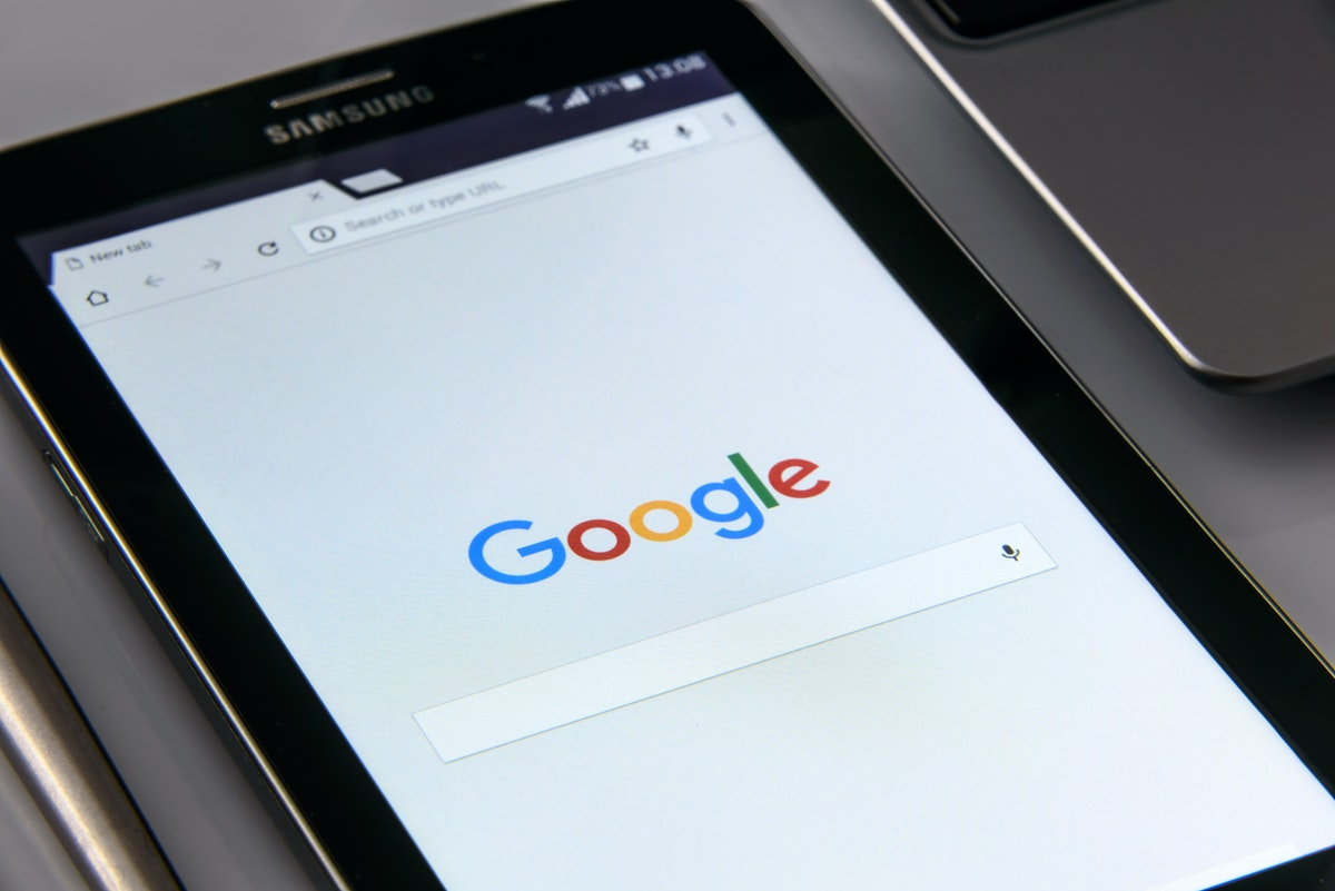 tablet flashing google search page